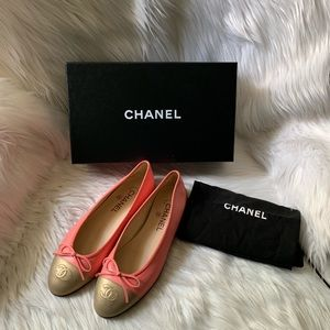 New CHANEL CC Leather Cap-Toe Ballerina Flats